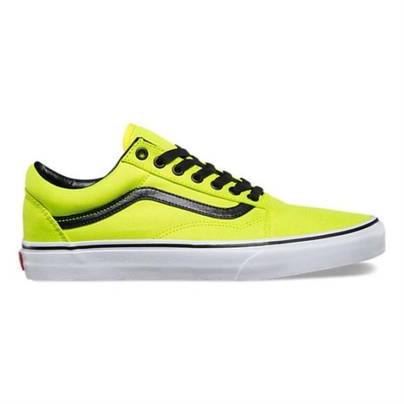 VANS Old Skool Sneaker. M 5b838a75bb7615e47e3018ef 74dfedf77
